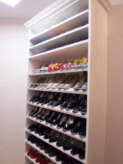 Shoe Shelves with Acrylic Shoefence